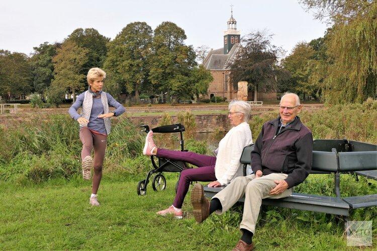 Nieuwe beweeggroep 80 wandelt rond slotkapel in Egmond