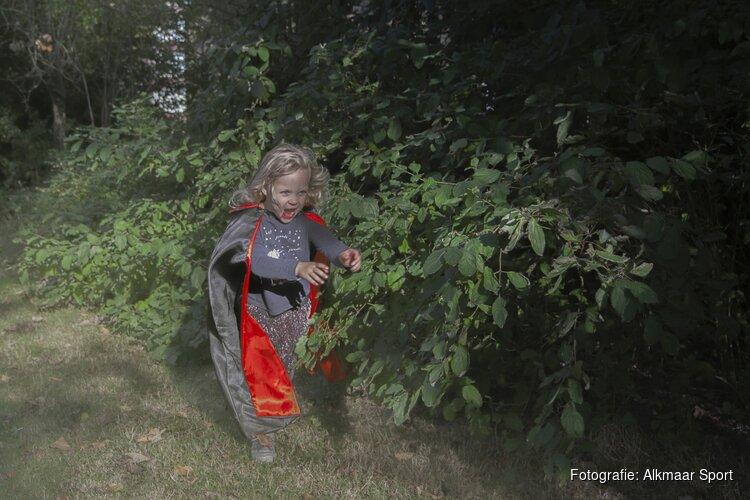 Spookachtige taferelen tijdens RAADHUIS Vampierun in Oudorp