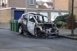 Auto verwoest door brand in Alkmaar
