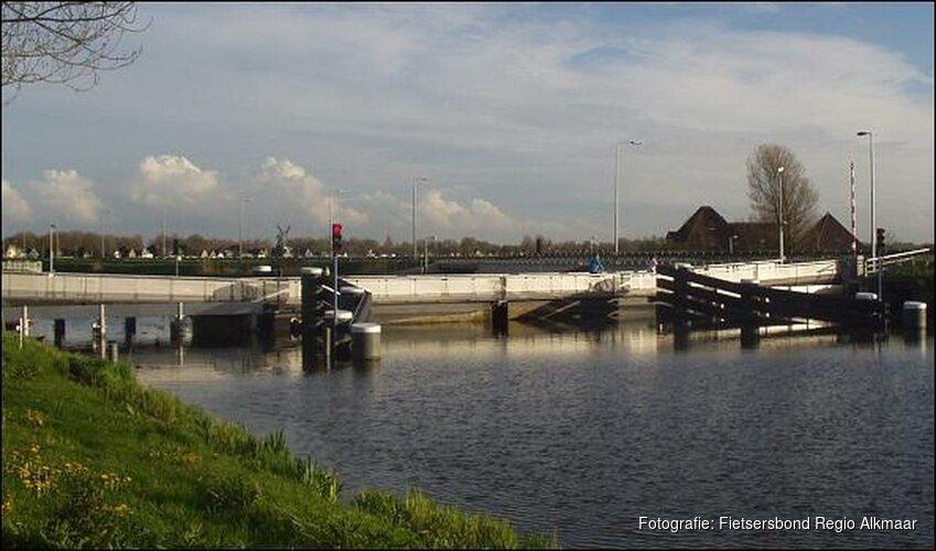 Scheepvaartverkeer Rekervlotbrug bij Koedijk weer mogelijk
