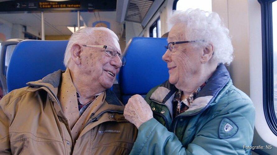 """Huub (93) en Jo (91) ontmoetten elkaar in de trein naar Heiloo: """"Al 71 jaar verliefd"""""""