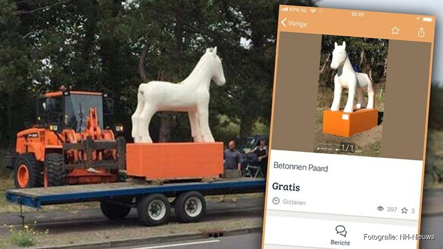 """Omstreden Egmonds kunstpaard aangeboden op Marktplaats: """"Gratis af te halen bij de blauwe paal"""""""