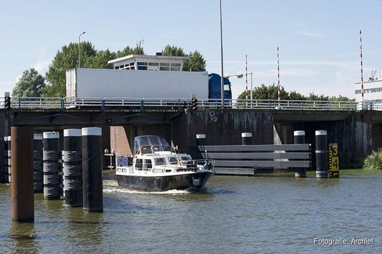 Gele belijning Leeghwaterbrug opgefrist
