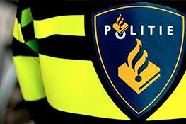 Auto ramt gevel hotel in Alkmaar